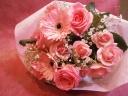 ピンクバラのショートブーケ