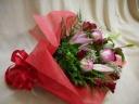 赤とピンクのバラで華やかに!!