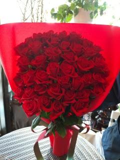 赤い薔薇のゴージャスブーケ