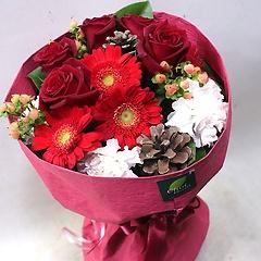 可愛い赤系花束/B1368