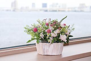 夏の小花のアレンジメント