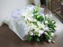 花屋さんにおまかせのボリューム! お供え花束