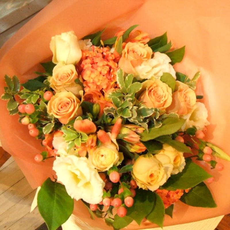 暖色ブーケ「アヴェール」|【イーフローラ】フラワーギフトや花の宅配、送料無料も多数