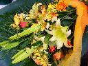 黄色のゆり ゴージヤス花束