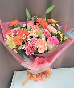 ミックスカラーの可愛い花束
