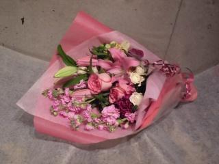 Story~スカーレットブーケ季節のおまかせ花束~