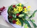 カサブランカと赤バラの花束