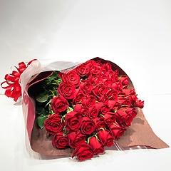 赤のバラの花束
