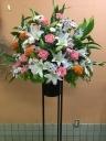 季節の花で作るスタンド花1段