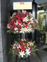 季節の花で作るスタンド花2段