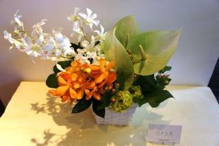 日保ちの良い花で作る御供えアレンジ『涼』