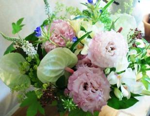 【お悔やみ、枕花、お供え花】優しい色合いで…