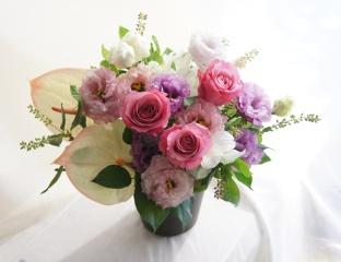 【気品ある涼しげなお花】フラワーアレンジメント