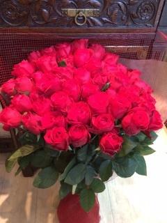 【赤バラ50本】想いを花束に託して…