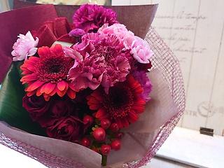 【母の日】シックなカーネーションのオシャレ花束
