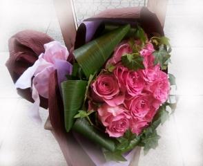 【dozen pink】12本のピンクバラ