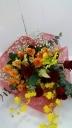 ゴージャスな赤バラの花束