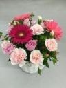 ガーベラと季節のお花のアレンジメント