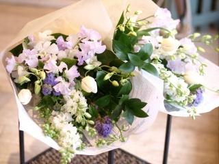 洋花でお作りします「お供え花束・一対」