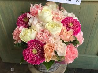 白とピンクで可愛く「アレンジ・ストロベリーピンク」