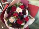 深紅をメインに!ゴージャスレッドの花束