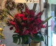 シックな赤一色で!スタンド花シングル・深紅