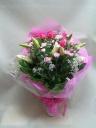 ユリとバラとカーネーションの花束