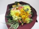 バラと旬のお花のブーケ イエロー系