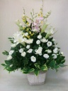 白菊と洋花のお供えアレンジメント