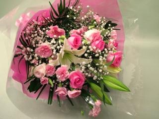 ピンクの薔薇のミックスブーケ
