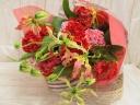 グロリオーサとカーネーションの花束
