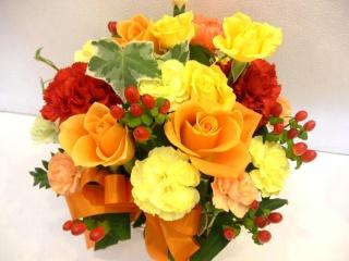 ?パレオ? オレンジのバラのアレンジメント