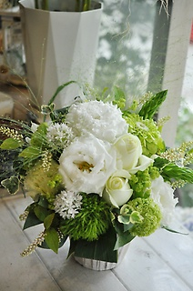white&green arrangement②