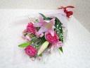 ピンクのユリの花束
