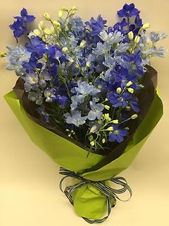 ちょっと小粋なブルーの花束