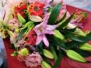 *グロリオサを使った花束