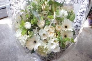 ゴージャス!白グリーンのおっきな花束♪