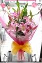 お母さんも中喜び~人気のピンクユリな花束!