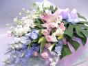 洋花のお供えの花束