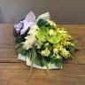 白、グリーンのお供えの花束