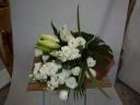 <花束>白上がりのお供え用花束