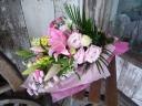 <花束>ピンク系のお祝い花束