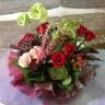 <生花>赤バラメインのモダンなラウンドスタイル