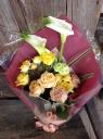 【花束】カラーを入れたアームブーケ