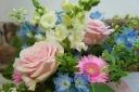 [母の日]ピンクのバラの優しいアレンジ