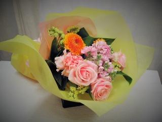 スー・ル・ヴァンの可憐な花束