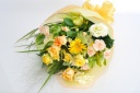 黄色オレンジでまとめた華やかな花束♪