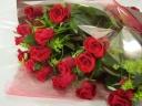 赤バラとグリーンの花束♪