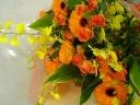 オンシジュームとガーベラの花束