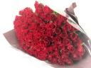 100本の赤バラの花束♪
